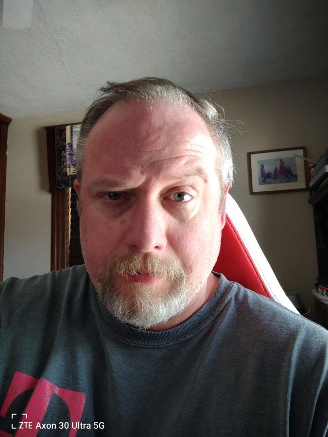 ZTE Axon 30 Ultra photo sample selfie