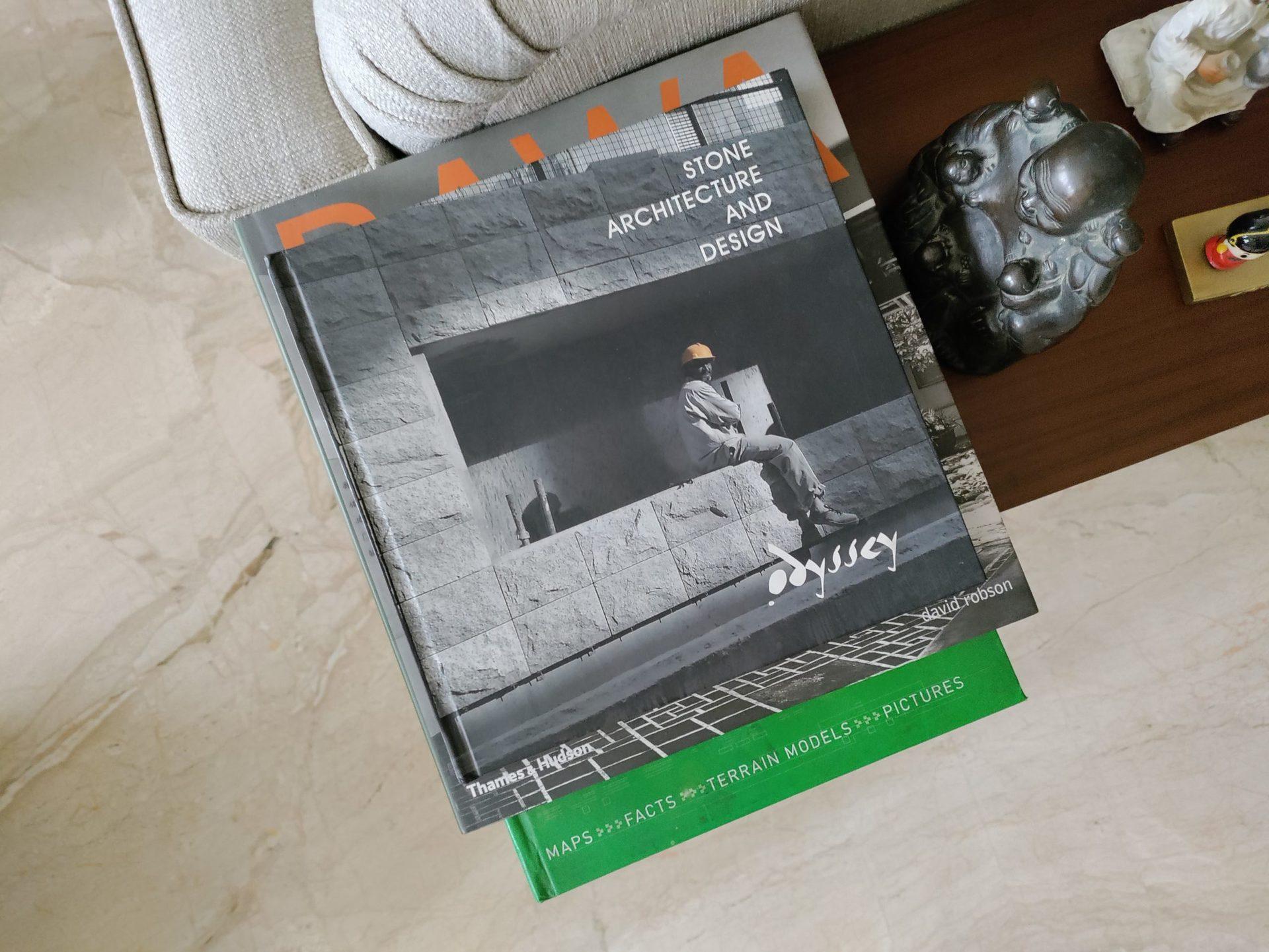 Nord CE camera indoor books