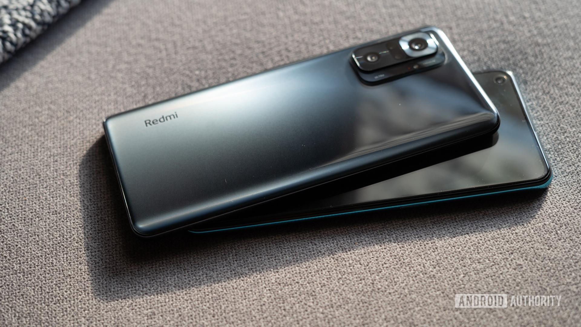 OnePlus Nord CE vs Redmi Note 10 Pro back panel