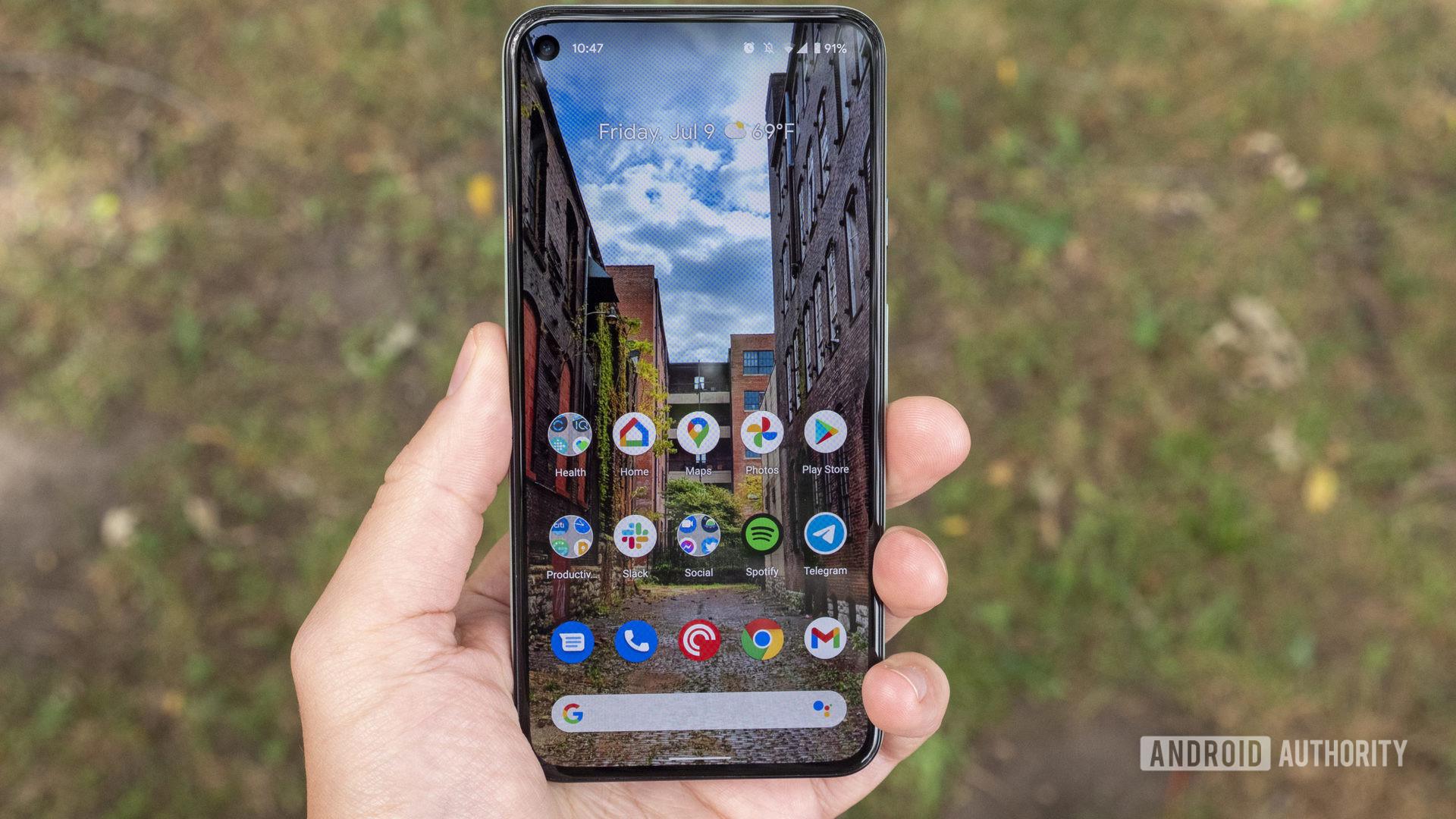 google pixel 5 home screen