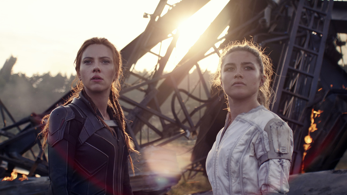 Black Widow montrant Scarlett Johansson et Florence Pugh.