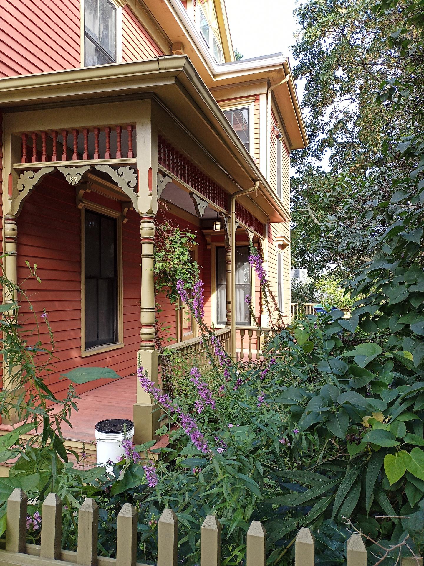 Picture of house in Massachusetts taken on Blu G91 Pro