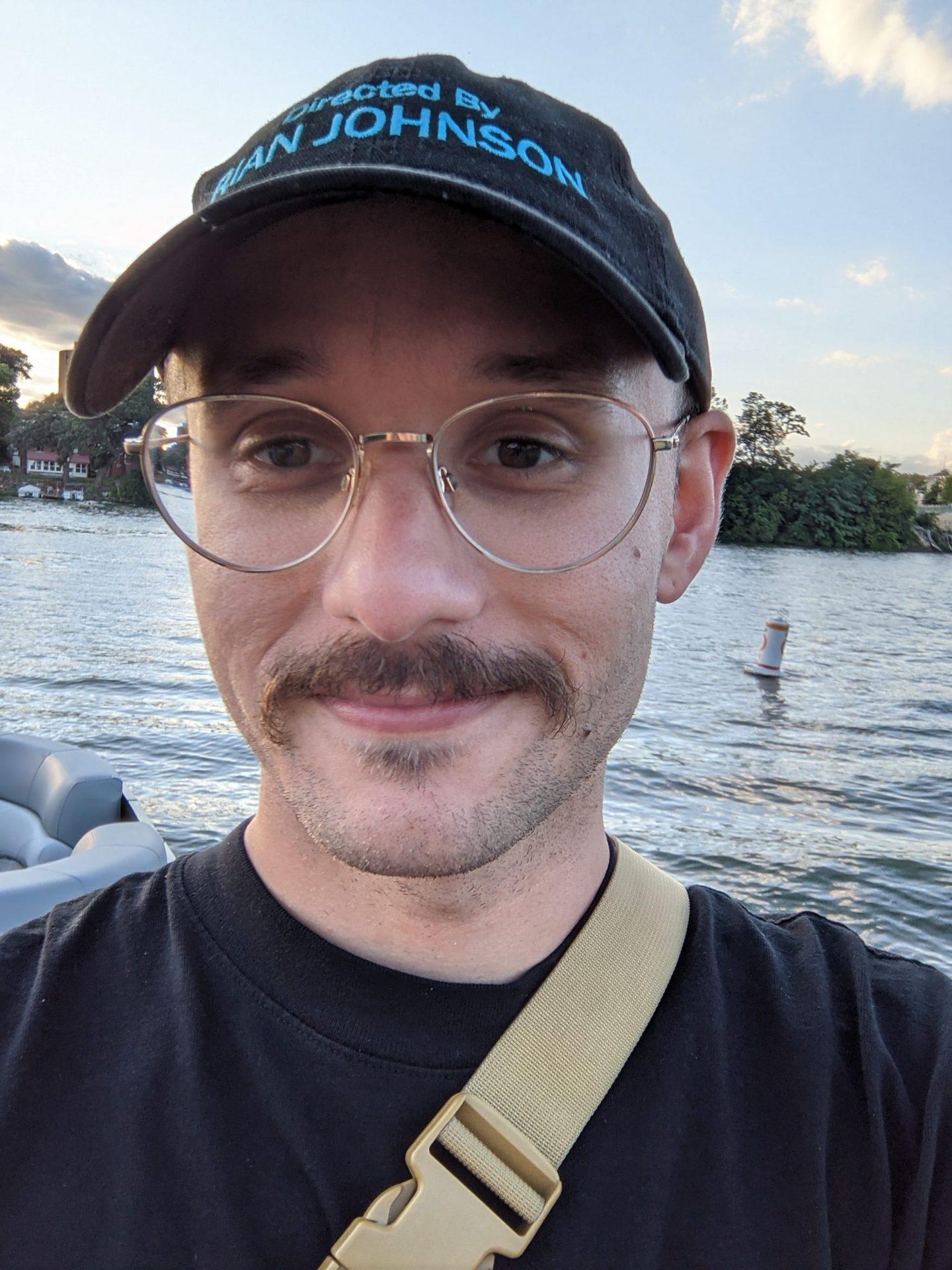 Google Pixel 5a camera sample selfie on river at 1.4x
