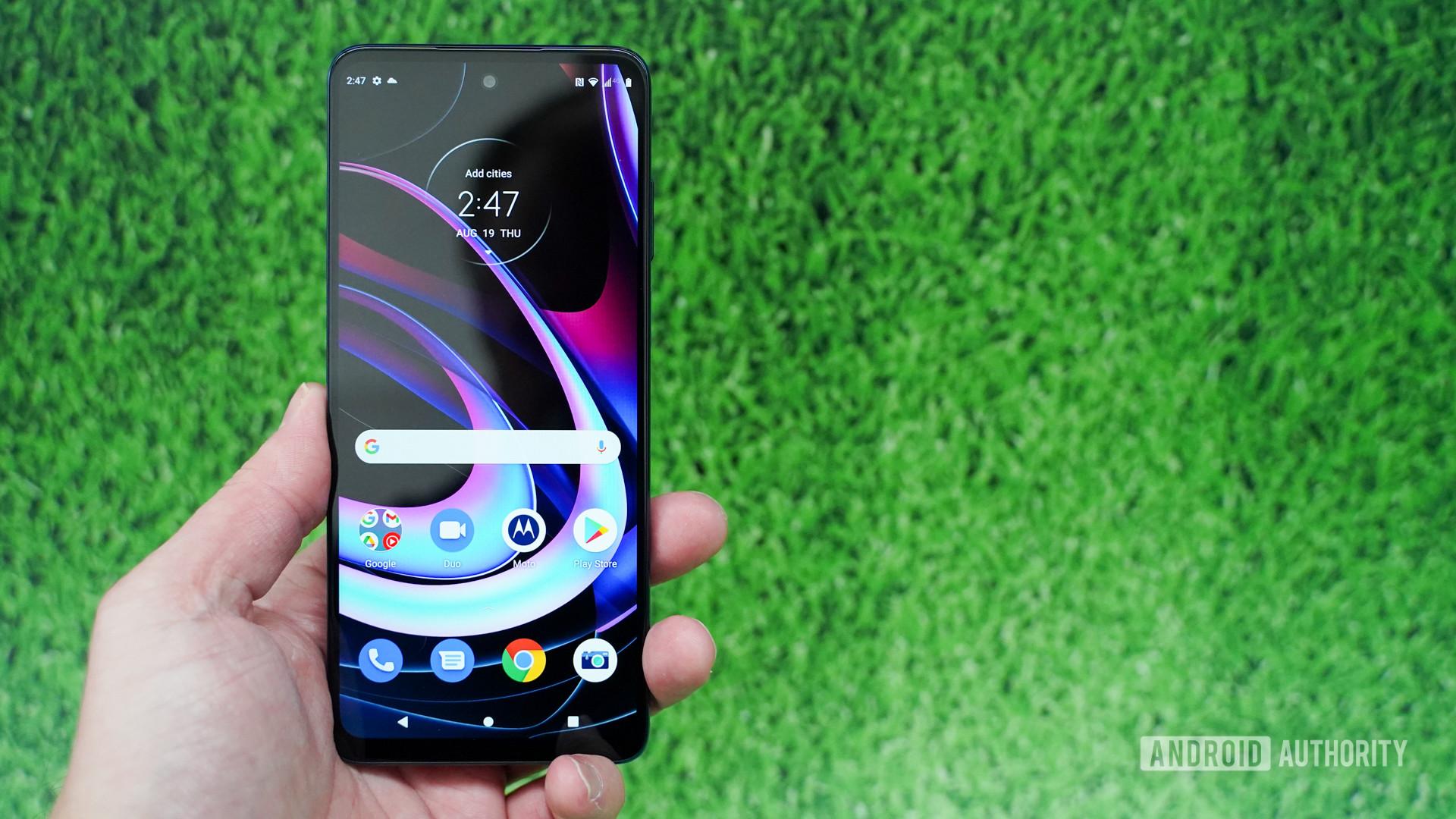 Motorola Edge screen on with green background