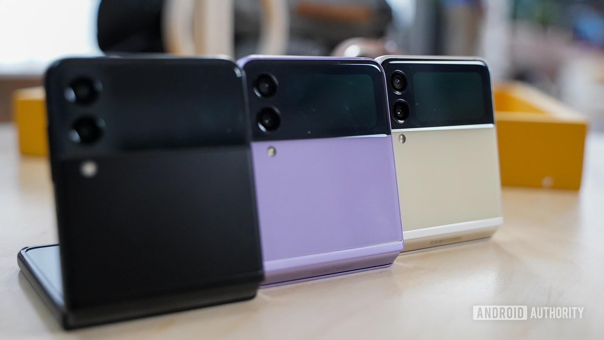 Samsung Galaxy Flip 3 rear profiles