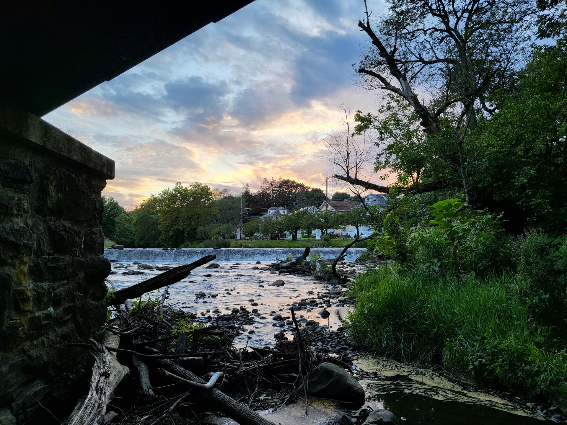 Samsung Galaxy Z Flip 3 photo sample bridge at dusk 1x