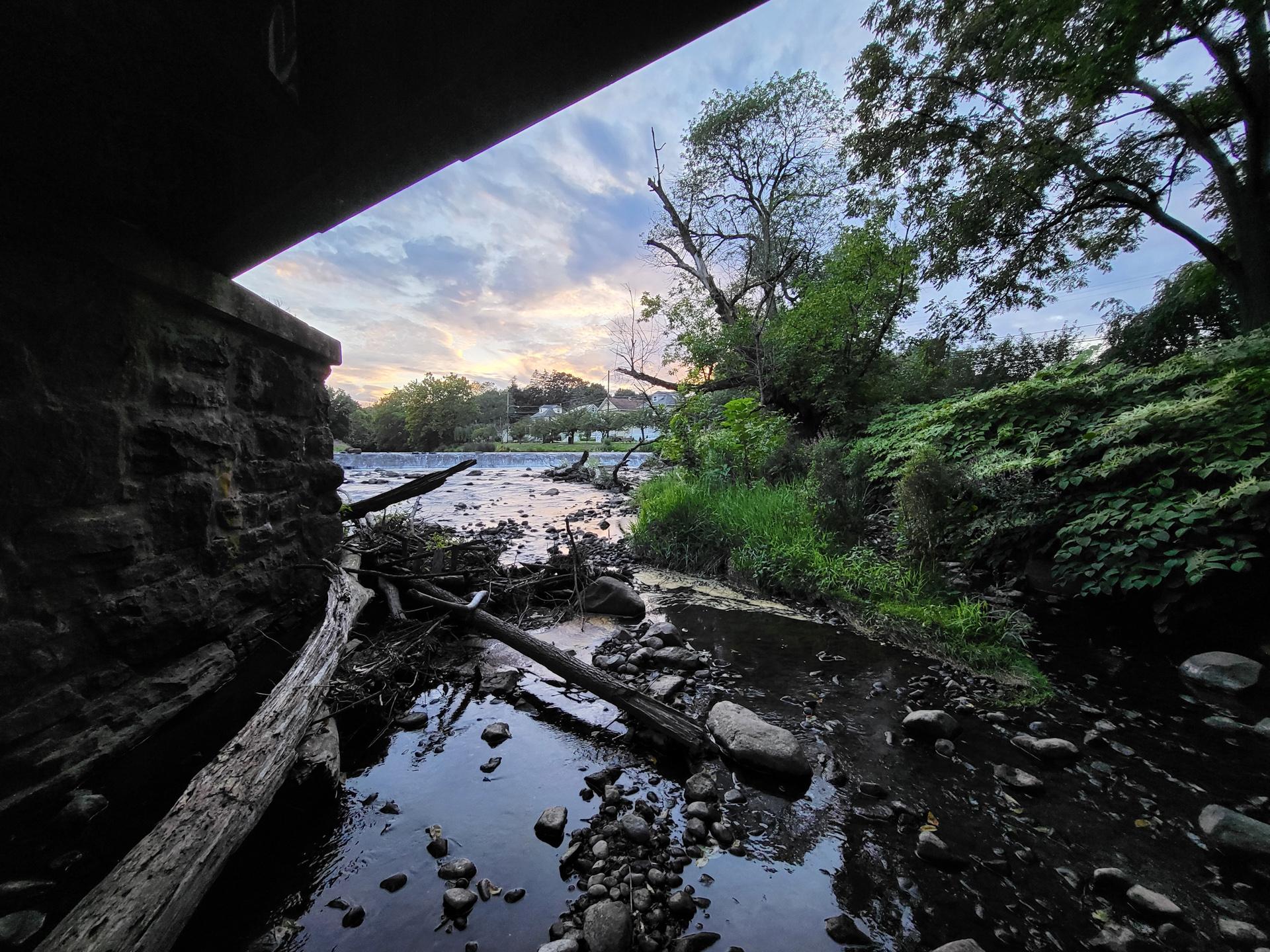 Samsung Galaxy Z Flip 3 photo sample bridge at dusk wide angle