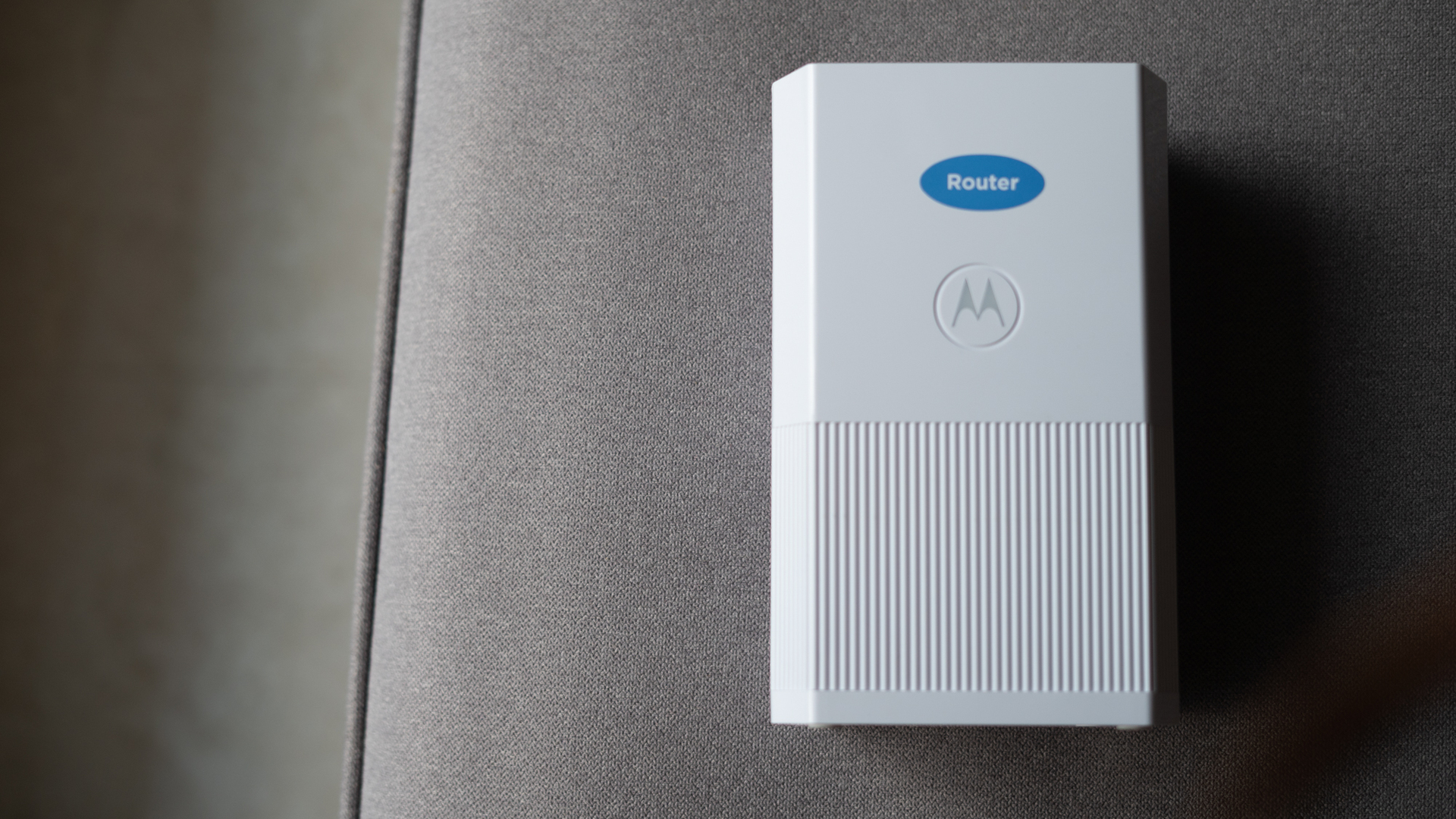Motorola MH7020 top down view of router