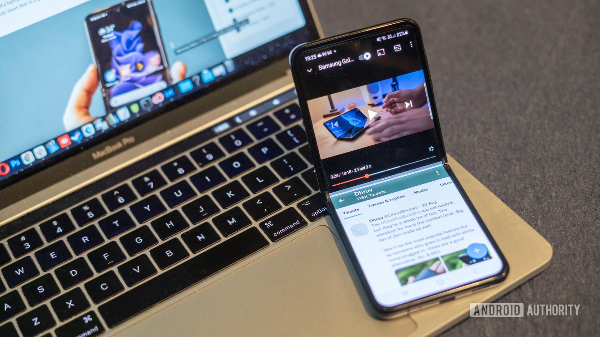 Samsung Galaxy Z Flip 3 tabletop mode