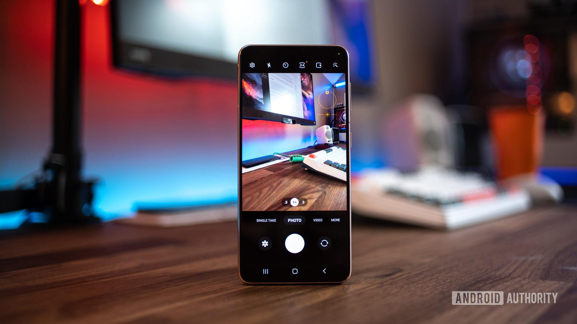Photo of Samsung One UI 4 beta camera menu running on Samsung Galaxy S21