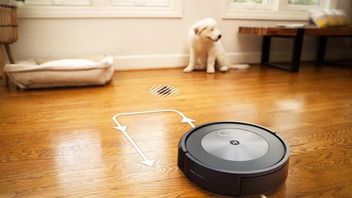 iRobot Roomba j7 poop