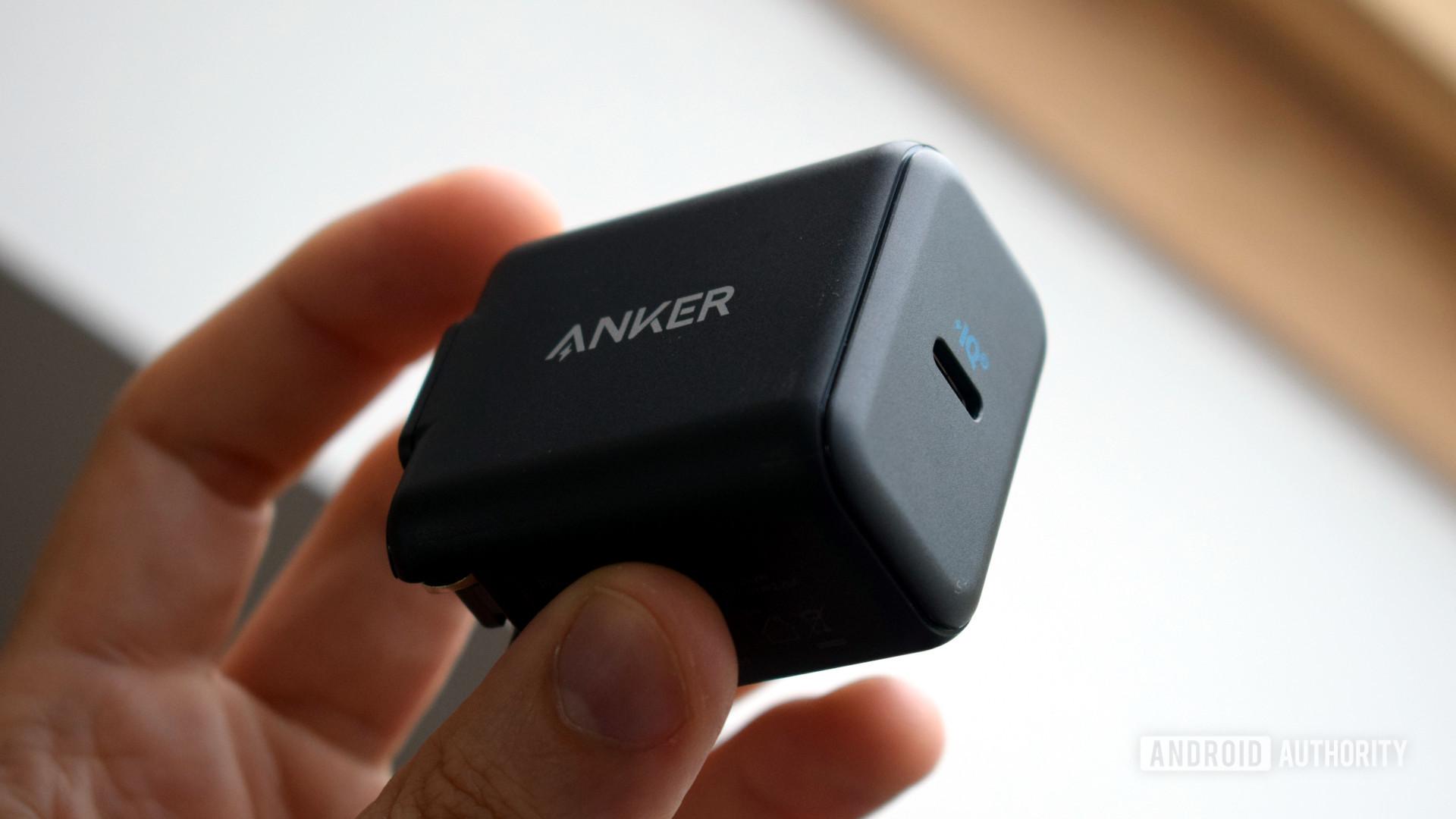 Anker PowerPort III 25W in hand