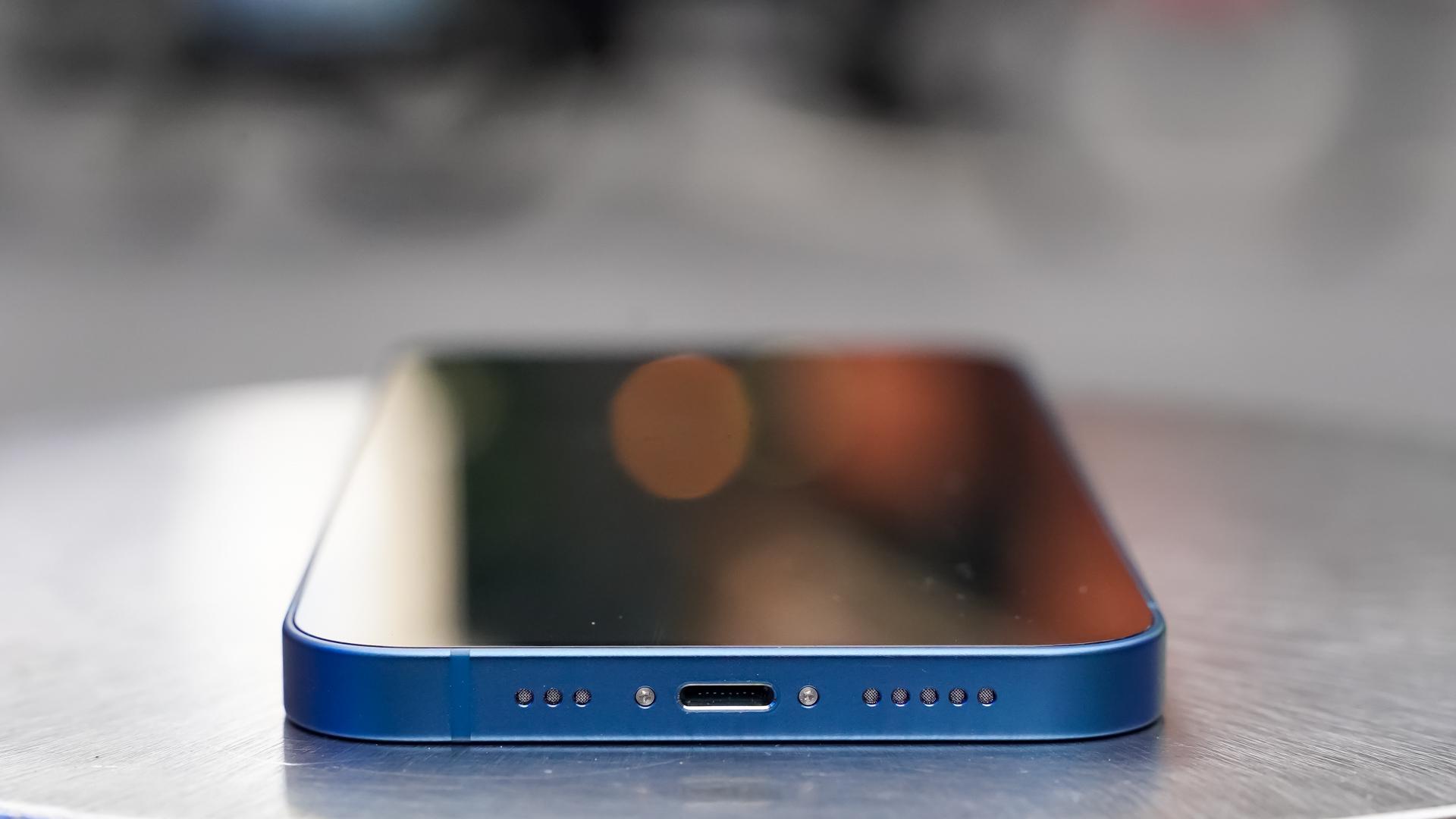 Apple iPhone 13 bottom edge
