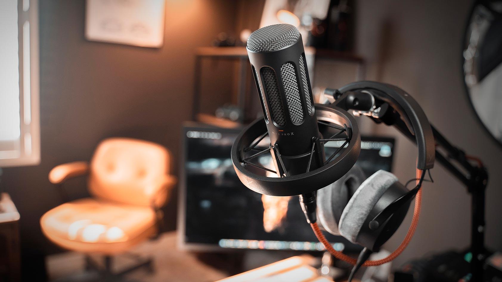 The Beyerdynamic M 70 Pro X microphone.