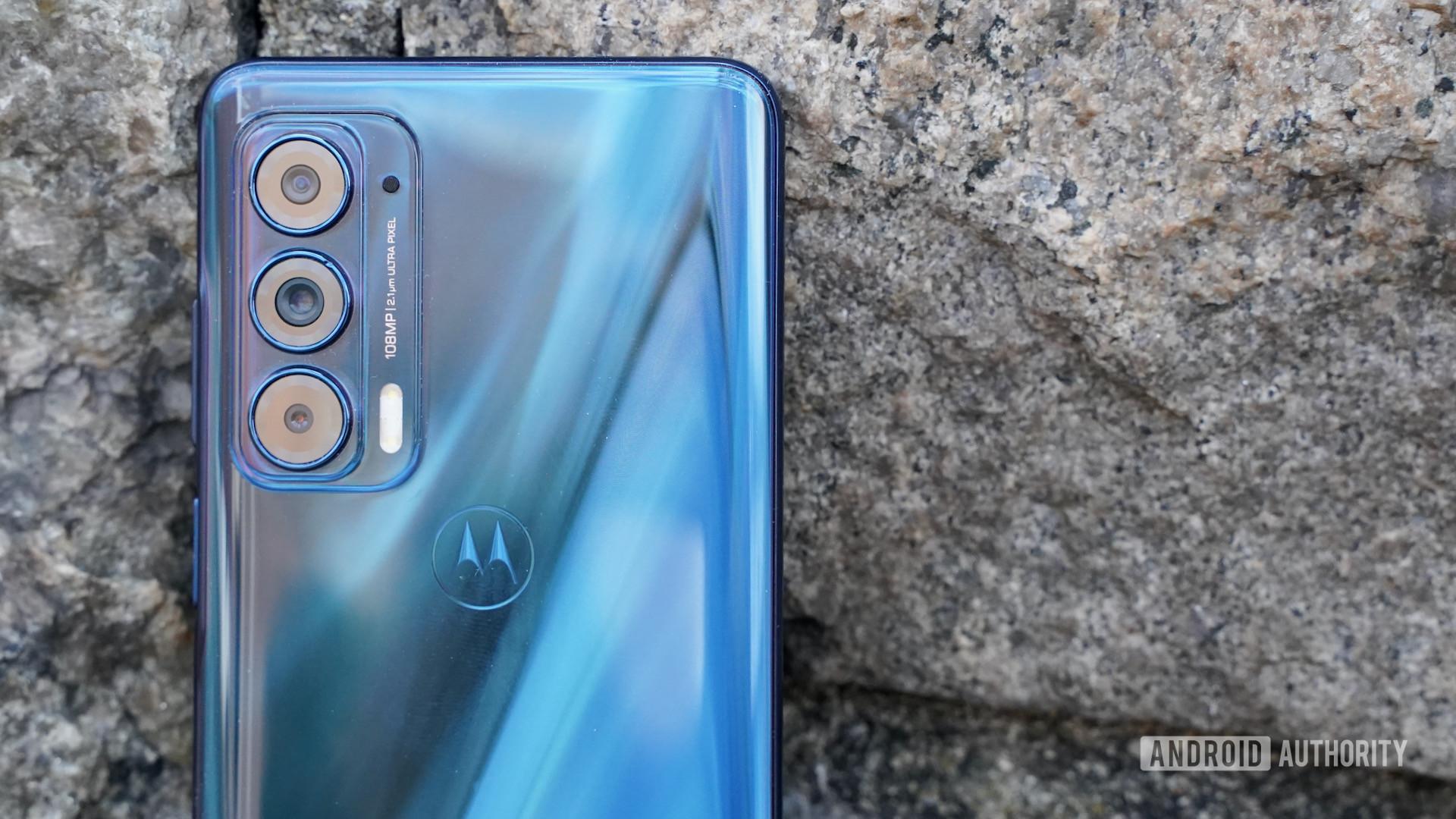 Motorola Edge 2021 camera closeup